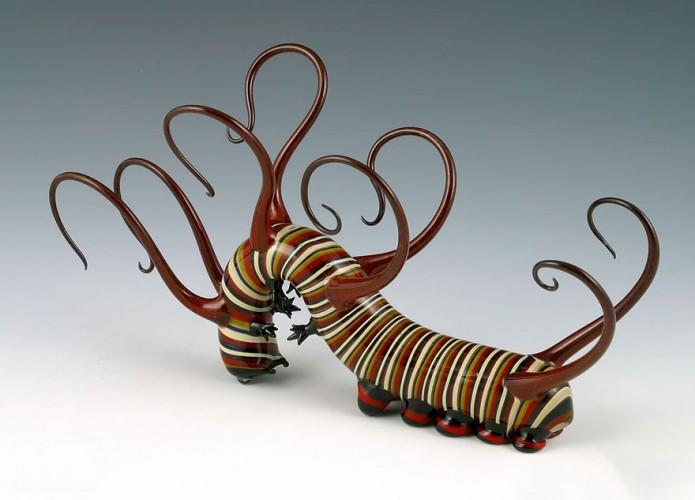 escultura vidrio soplado scott bisson oruga