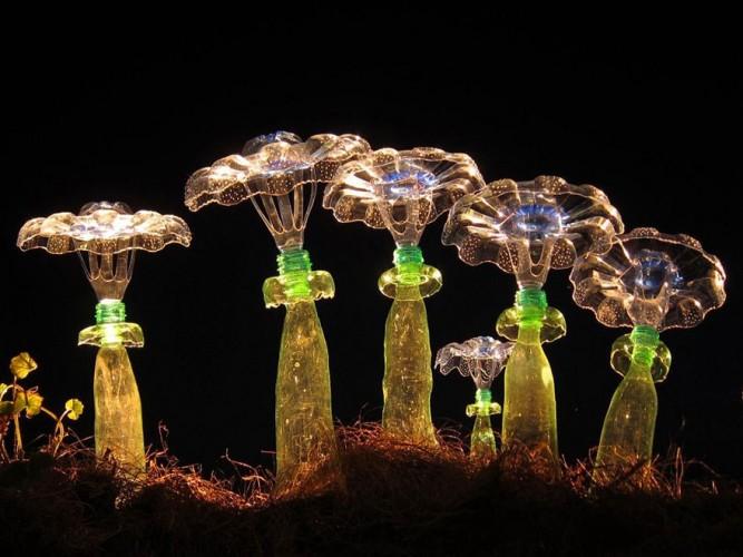 setas hechas con botellas