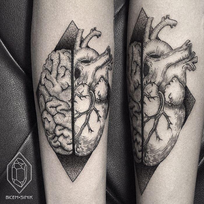 tatuaje corazon y cerebro