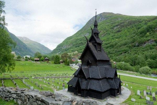 Borgund iglesia de madera en Noruega